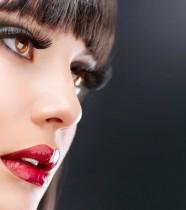 beautiful-women-faces-berry-lips
